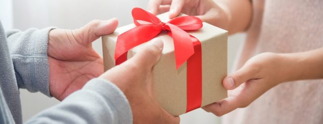 Choosing the perfect gift for your Asian date